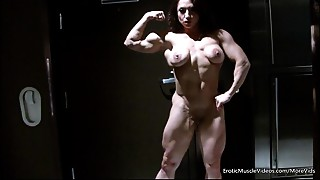 EroticMuscleVideos Smooth Showing And BrandiMae&#039_s HardBody