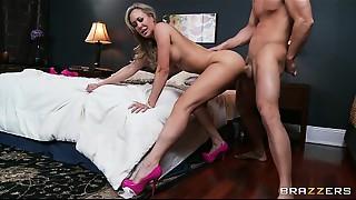 Breasty MILF Brandi Love daydreams about large hard jocks