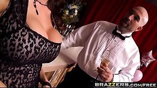 Brazzers - Milfs Like it Large - Sometimes I Shag Everything scene starring Ariella Ferrera and Xander C