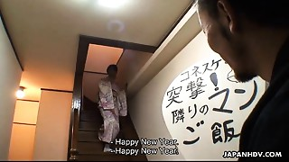 Kimono wearing hooker has a toy session that&#039_s likewise raw