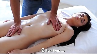 PORNPROS Oiled up massage turns into slippery bonk with Haven Rae