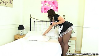 Britain&#039_s mother I'd like to fuck maids at your service