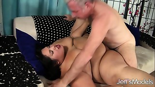 Large corpulent beauty screwed and eats cum