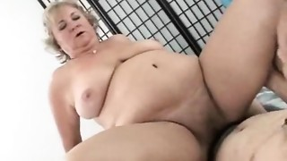 Matures old slut loses weight in the bedroom
