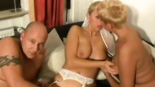 Dilettante homemade three-some with wicked Milfs