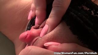 MILF Raquel's large clitoris needs attention