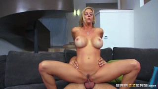 Messy mild Alexis Fawx can't live without knob - Brazzers