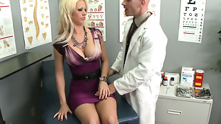 Pervert gynecologist bonks nasty Tanya James