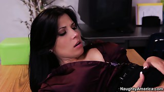 Business woman Rebeca Linares acquires her cum-hole licked