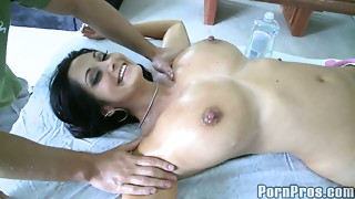 Big breasted and gorgeous cougar Ava Adams acquires erotic massage