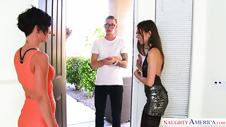 Man with king size strapon copulates Jada Stevens and her naughty girlfriend