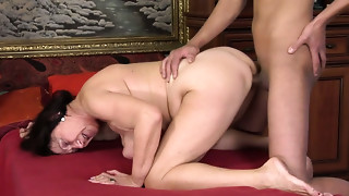 Ample ruined dark brown mommy acquires drilled up with pressure by youthful paramour