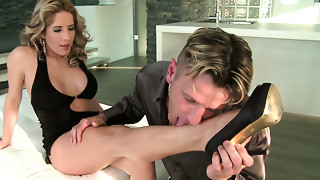 Blond stud licks and kisses hawt feet and toes of Ana Honte