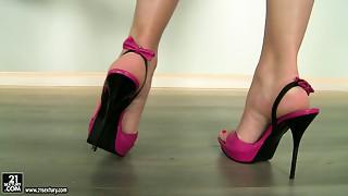 Torrid dark brown sexpot Zafira brags about her high heels shoes