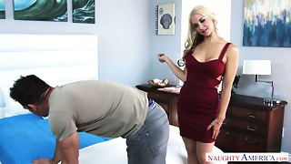 Juggy seductress Sarah Vandella gives her head and acquires laid