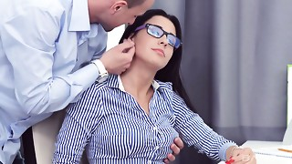 Gorgeous honey in glasses Kellie is screwed by one lustful fellow