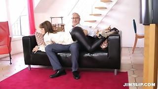 Non-professional horny beauty Lora Summer want to engulf the pecker of just met graybeard