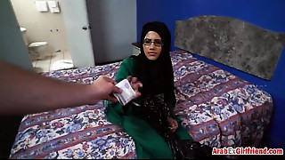 Famous sex slut Mia Khalifa serving plump wang