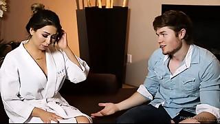 Step-cousin massage and bang - Melissa Moore, Jake Jace