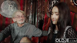 Sexy youthful bitch can't live out of to receive drilled by granddad the grand-dad cums on her mounds