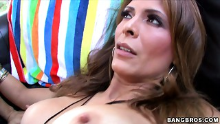 Voracious MILF Monique Fuentes copulates intensely outside