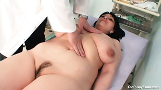 Gyno specialist examines saggy tittied brunette hair