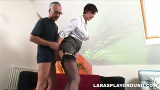 Short haired whore Lara Latex want to receive her old cum-hole fucked doggystyle