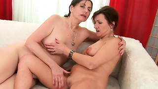 Lascivious and hawt darksome haired hooker with worthwhile a-hole acquires a rug munch