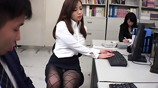 Asian Japanese model Remi Sasaki, Ren Ayase, Miyuki Ojima, Hikaru Shiina in Hottest secretary, couple JAV movie