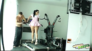 Haciendo gimnasia - Nacho Vidal fuck&#039_s dark brown hair at gym