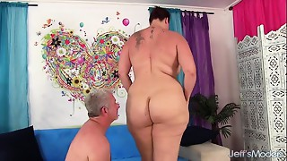 Chunky Booty Mama I'd like to bang gets screwed hard